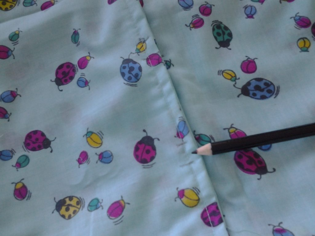 How to sew a button hole